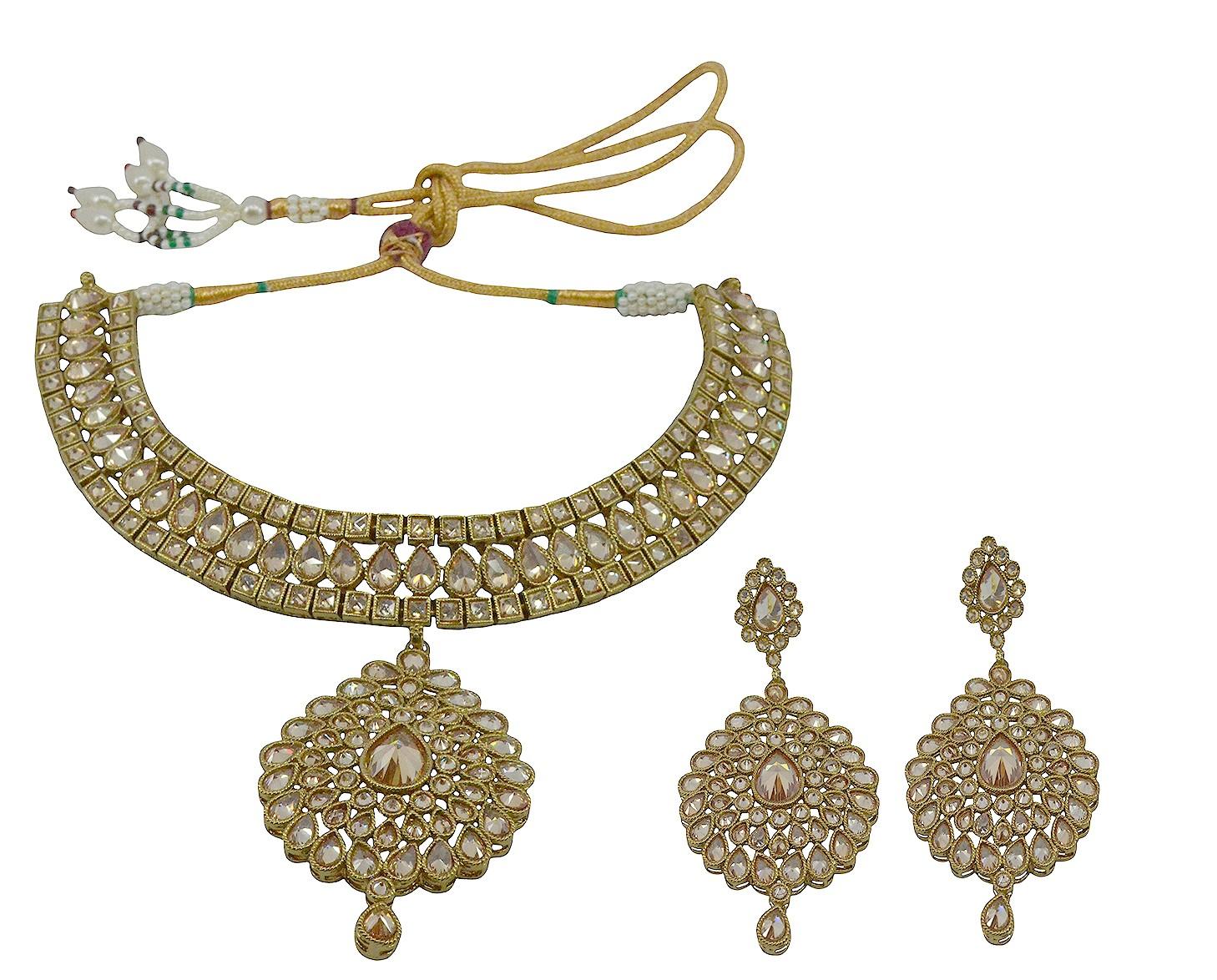 Saloni Fashion Jewellery Saloni Fashion Jewellery Saloni Fashion